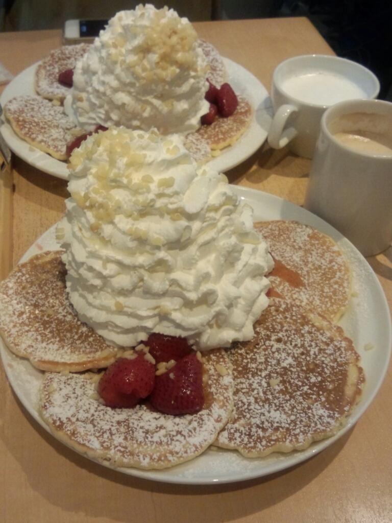 Eggs'n Things で ド迫力パンケーキに挑戦!