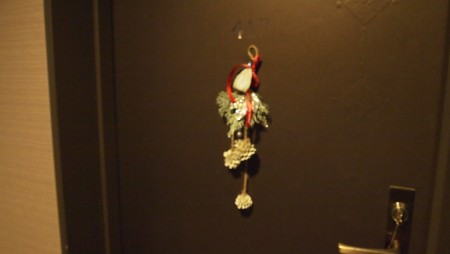 扉のクリスマス飾り